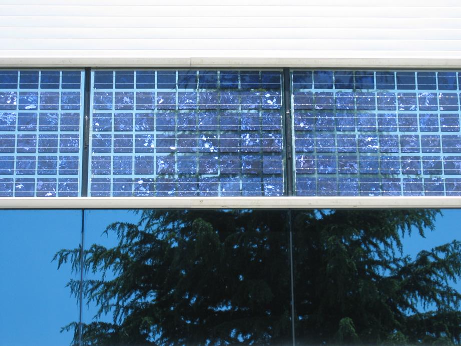 Muro cortina fotovoltaico