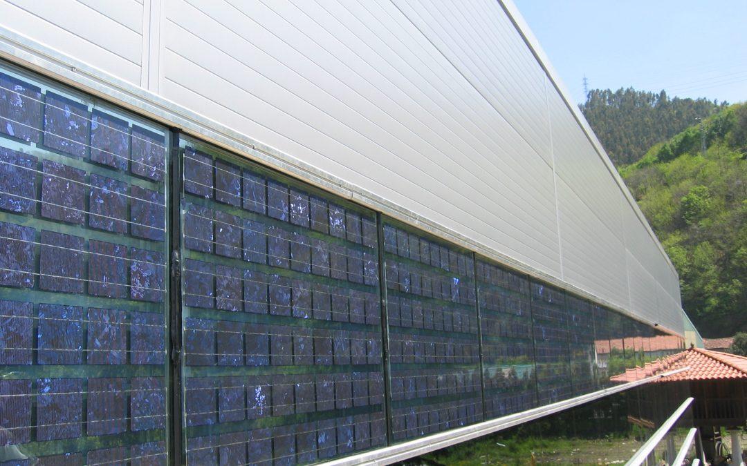 Autoconsumo directo con muro cortina fotovoltaico con cámara de aire en polideportivo