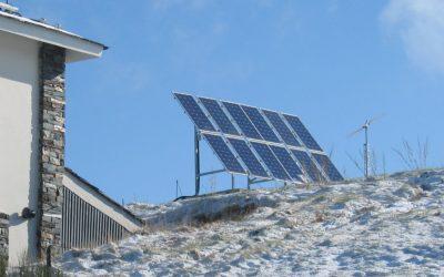 Híbrido Solar Fotovoltaica 1.5 Kw – Eólica 3 Kw para alimentación de vivienda aislada